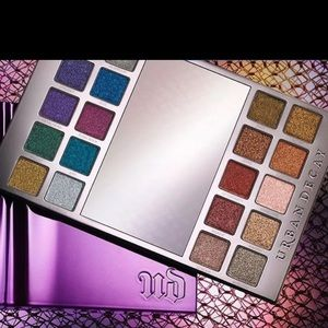 "Urban Decay ""Heavy Metal"" palette brand new"